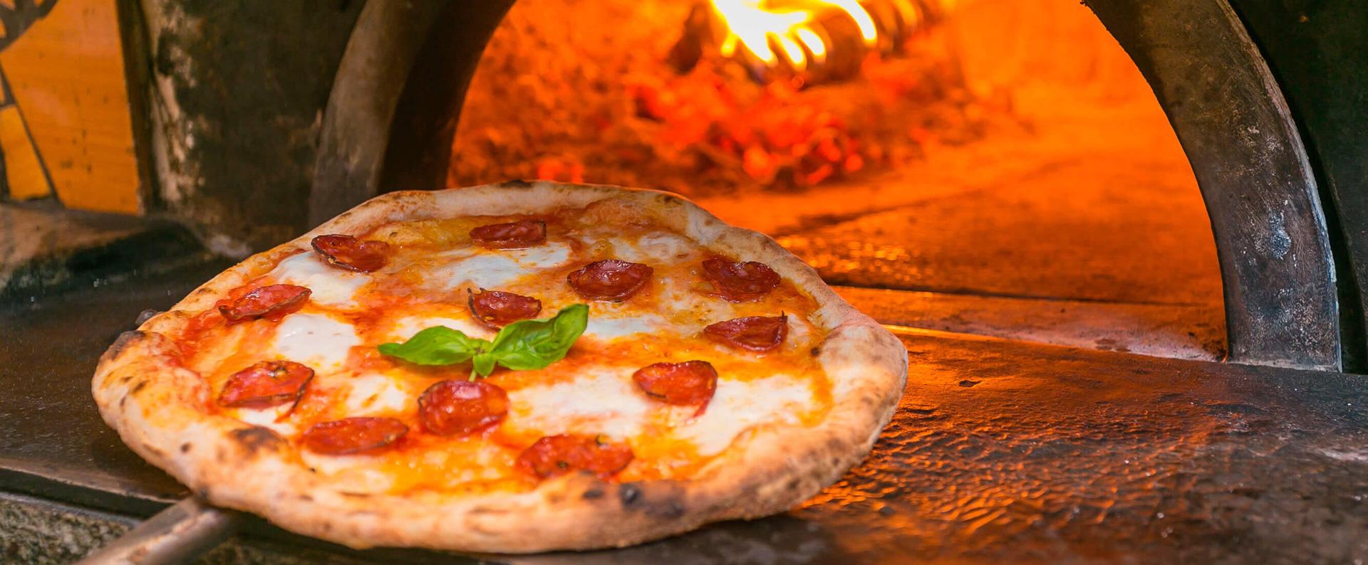 pizzeria-marina-di-grosseto-forno a legna four-roses